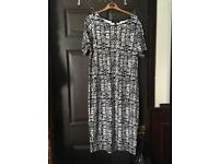 Simply Be body con style dress size 22 never worn