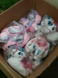 JOB LOT Childrens unicorn slippers