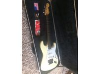 Fender Stratocaster 1988 - Lock in Trem - Hard Case - Cream