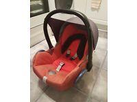 Maxi cosi car seat and pillow