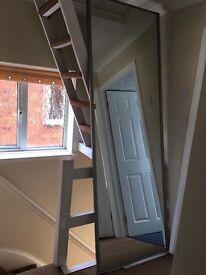 2 sliding mirror doors