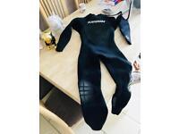 Random wetsuit medium
