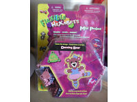 **BRAND NEW & SEALED** 2 x hexabits dancing bear tile creation kit - RRP £12-99 each we want £2 each