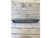 Ford Fiesta Zetec lower grill honey cone