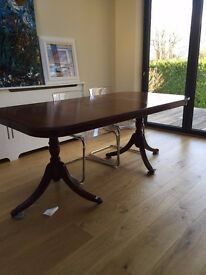 Reproduction extendable georgian mahogany dining table