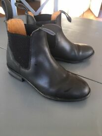 Girls black leather ankle riding boots size 3
