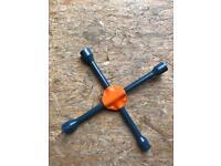 Spider wrench