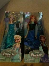 Frozen singing dolls