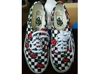 Ladies vans canvas shoe