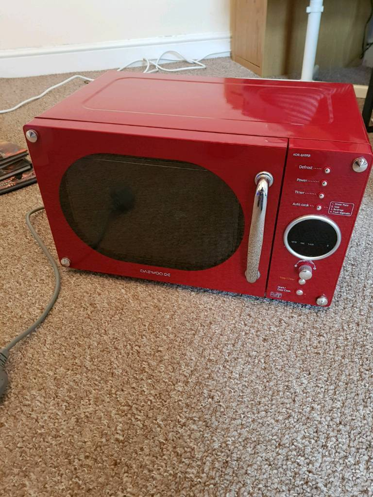 Red Daewoo Microwave- Spares or Repair | in Shildon, County Durham