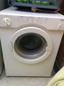Zanussi, small D58 W50 H68cm. Good working order. High and low settings.