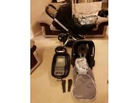 Mothercare spin and maxi cosi car seat bundle