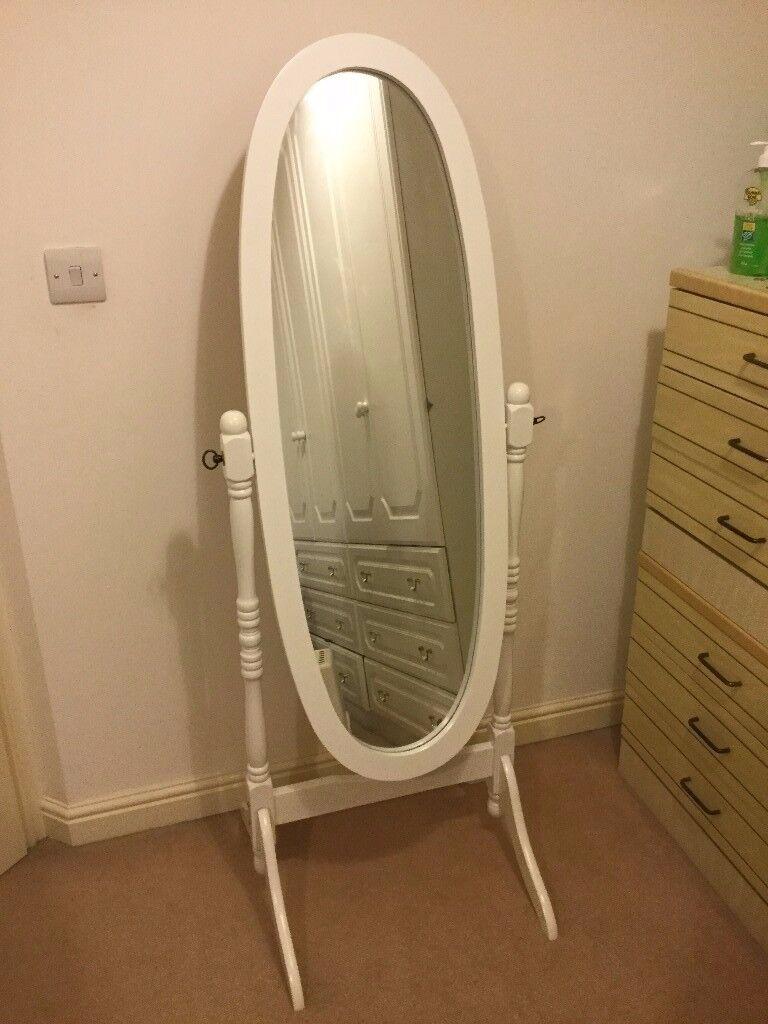 Standy Mirror White excellent condition