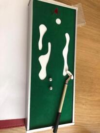 Mini tabletop golf