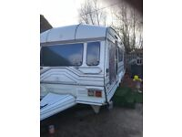 96 Roma caravan 5 beith end bedroom four Buber cooker central heating very good condition in side o