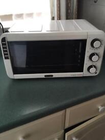 Delonghy mini oven/ grill
