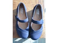 Ladies 'Hotters' Navy Suede Shoes.