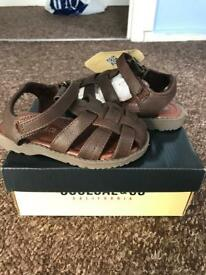 Toddler Boys brand new sandals size 8