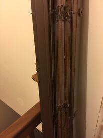 2 wooden blinds