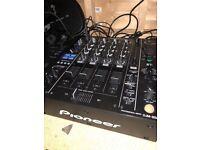 (Full dj setup) PIONEER XDJ 1000 MK2 (PAIR) -DJM 850 & YAMAHA DXR 10 (pair)