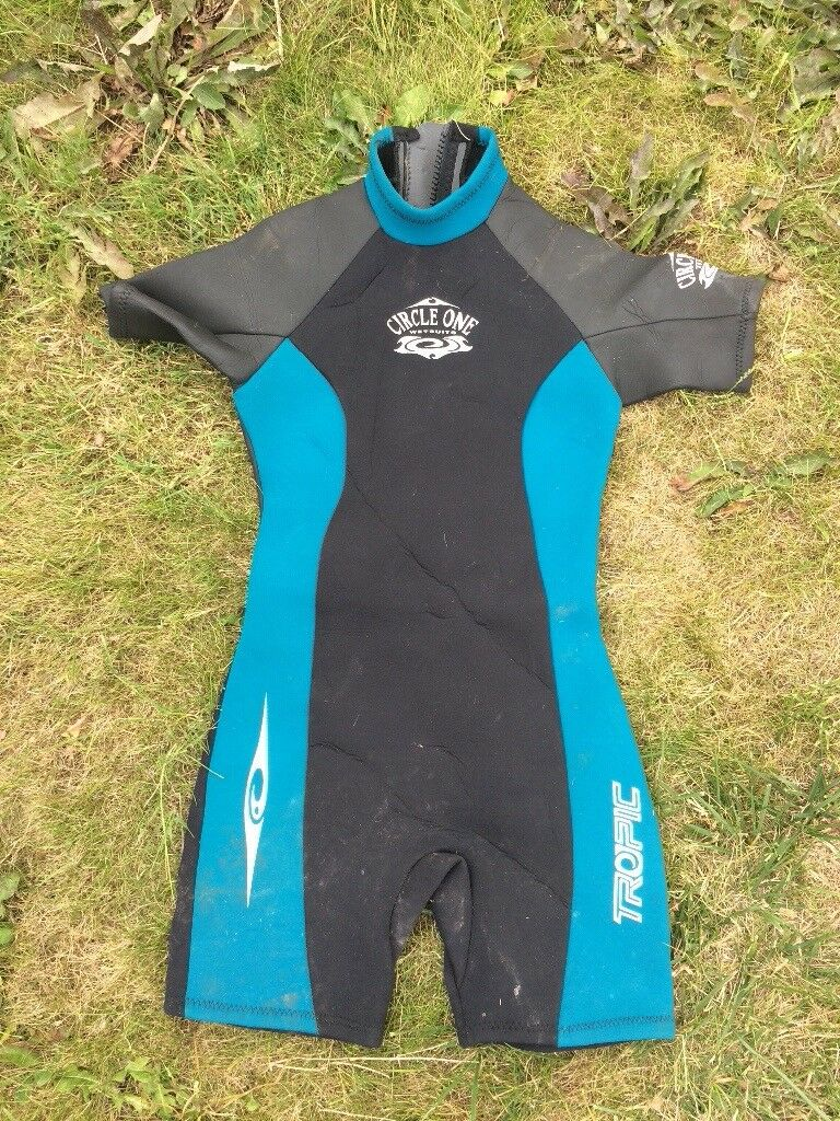 Circle one wetsuit 12-14  48704a25d
