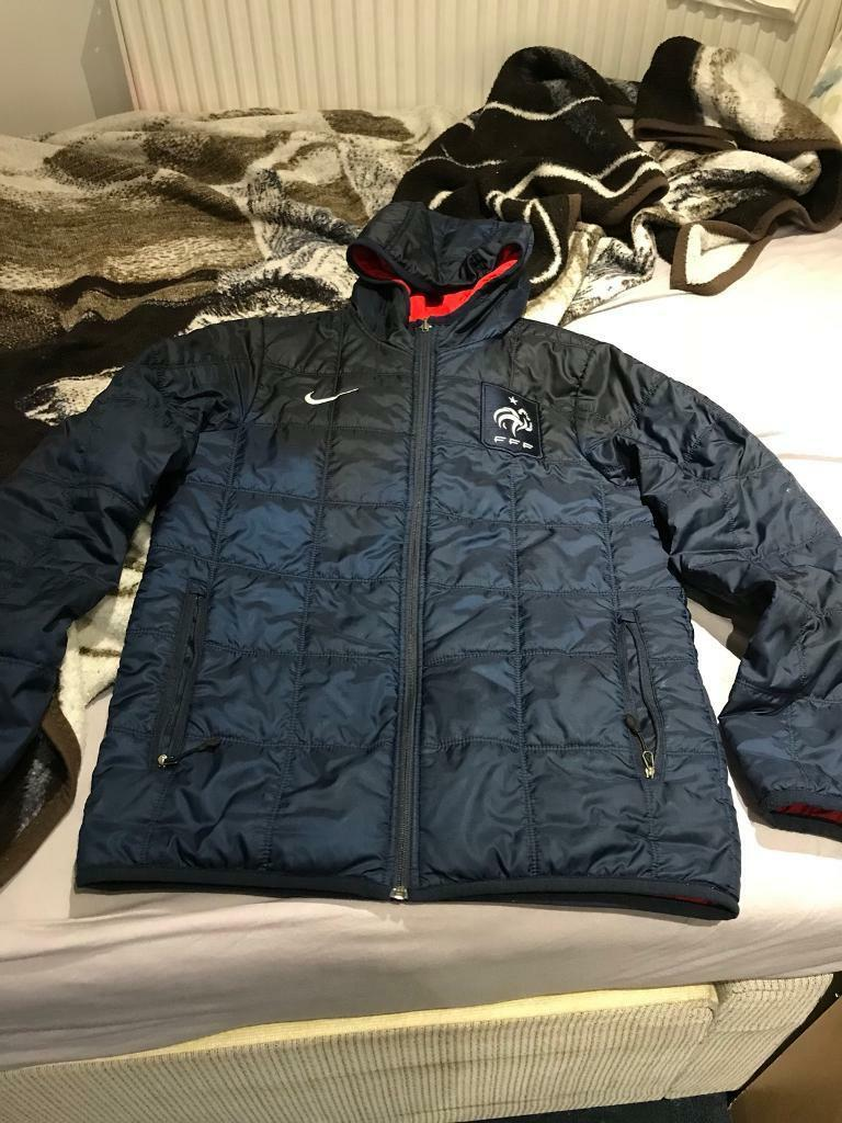 Nike men jackets size small for sale like brand new