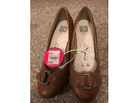Tan wedges size 5 brand new