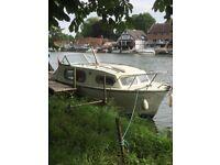 23 Freeman Boat 4 berth river Cruser
