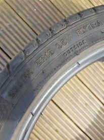 235/40/18 tyre