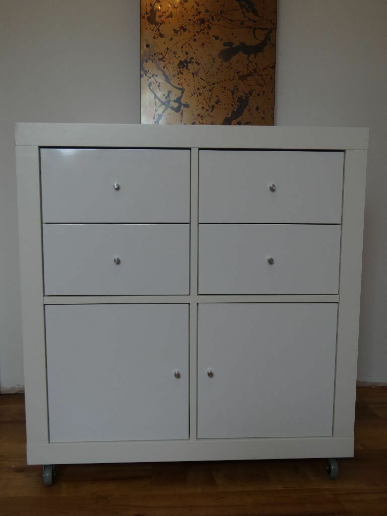 Ikea white expedit shelving unit cube with kallax drawer for Ikea expedit 2 x 1