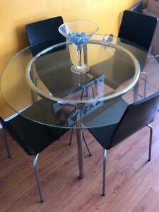 IKEA Glass Round Table with 4 chair