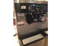 SOLD Taylor ice cream/frozen yoghurt machine C712-40 - 2 flavours