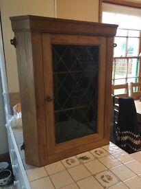 Corner wall cabinet
