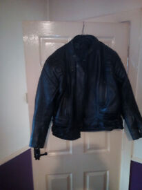 Mens lleather Motorcycle jacket 44 inch chest full body armour £30