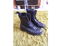 Womens Mens Unisex Boots Zip Front Black Leather Size 8