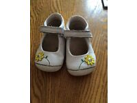 Girls clarks shoes 3.5 with box