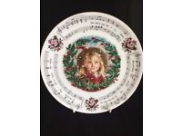 Royal Doulton Collectors Plate THE HOLLY AND THE IVY CHRISTMAS 1987