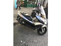 Honda pcx 125 Vity forza sh nmax Vespa