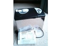 Morphy Richards steel fastbake breadmaker. Excellent condition.