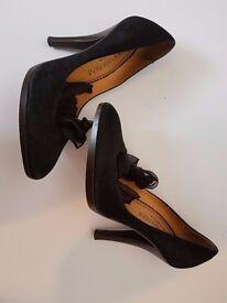 Black Yves Saint Laurent Hight Heel Shoes