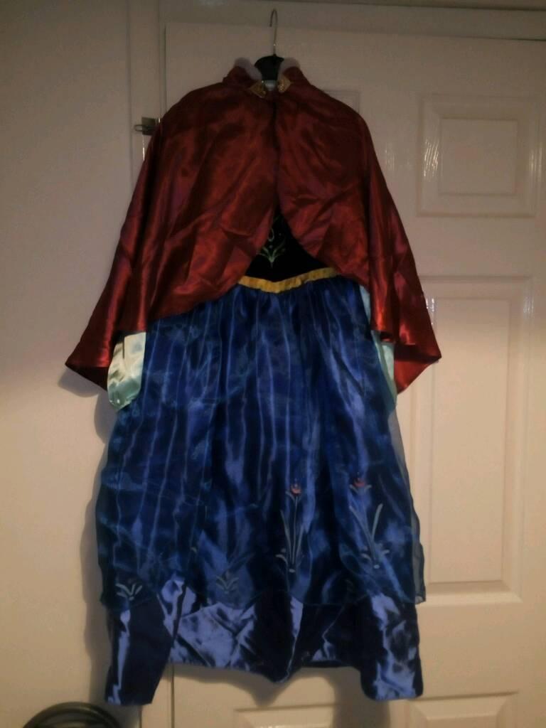 Disney store Anna dress up
