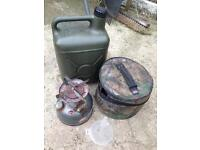 Coleman dual fuel 533 stove, trakker fuel container and carry bag carp fishing £20