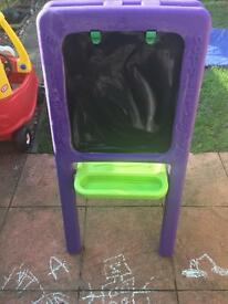 Easel in good condition