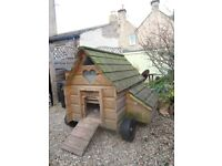 chicken coop for 8 hens, exceptionally well made, with automatic door and accessories