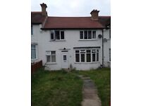 LOVELY FULLY FURNISHED SINGLE ROOM AVAIL ON 23RD SEPT IN NORBURY IN LARGE HOUSE. 2 BATHROOMS. INCL