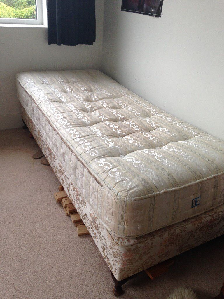 Extra Long Single Bed In Good Condition 6ft 9 Inches X 3ft