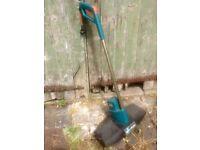 Black & Decker electric lawn scarifier / rake