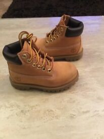 "TIMBERLAND 6"" CLASSIC INFANT BOOTS size 9"