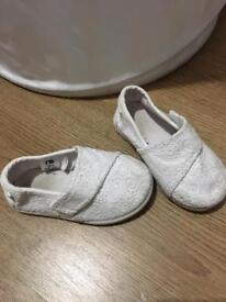 Size 4 girls mothercare shoes