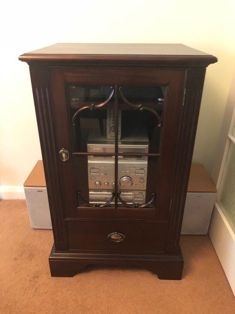Record Player & Stereo Player in Mahogany Furniture Cabinet as new.